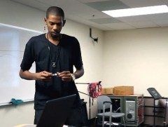 Guru in classroom