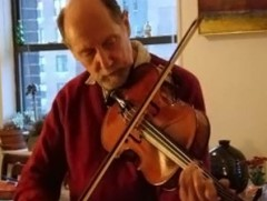 Acclaimed teacher and founding member of the Guarneri String Quartet, Michael Tree