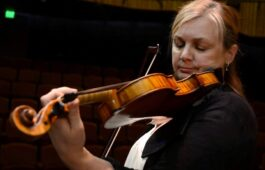 USC Thornton Strings faculty and LACO Concertmaster Margaret Batjer plays a Stradivarius violin.