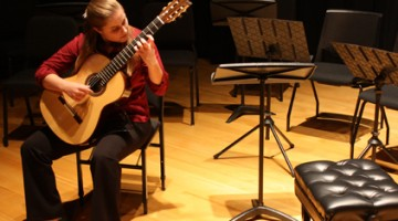 Erin Young (BM, 16) is a Classical Guitar major at USC Thornton.