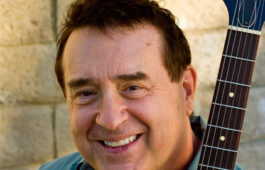 Steve Trovato is a faculty member teaching in both the Studio/Jazz Guitar and Popular Music programs.