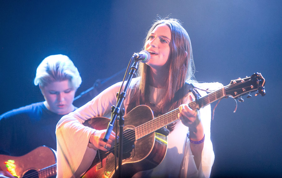 """Singer-songwriter Abby Litman performs the original song """"Gone With the Wind."""" Liv Slingerland, a 2015 Popular Music graduate, joins her on guitar. (USC Photo/David Sprague)"""