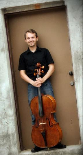 Christopher Hutton, violoncello