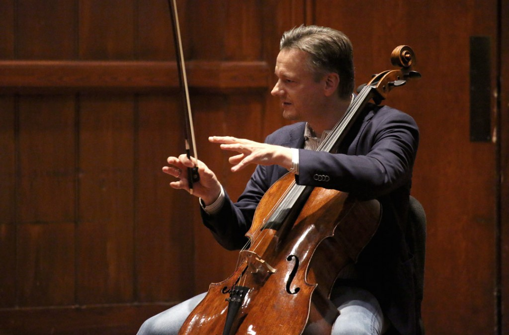On May 17, German cellist Jens Peter Mainz led a master class with student Fellow Haran Meltzer at USC's Alfred Newman Recital Hall. (Photo by Daniel Anderson/USC)