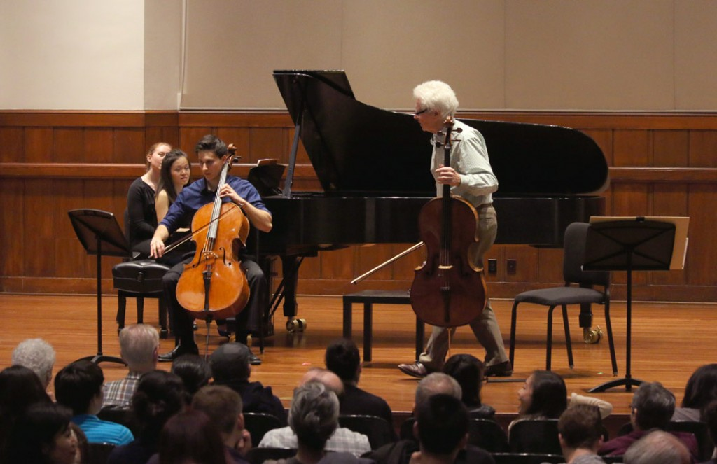 Acclaimed American cellist Ronald Leonard, former holder of the Piatigorsky Endowed Chair in Violoncello at USC, held a master class on May 18. (Photo by Daniel Anderson/USC)
