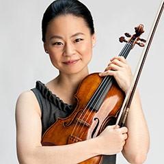 Midori Goto holding violin
