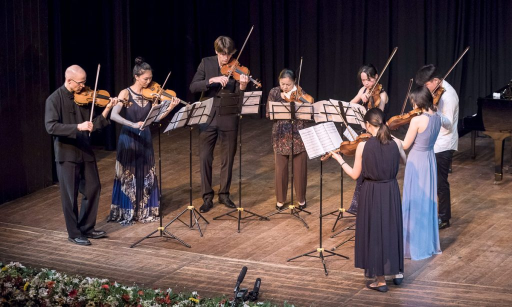 At the conclusion of their visit to Sri Lanka, Midori Goto and her students performed for the Chamber Music Society of Colombo.