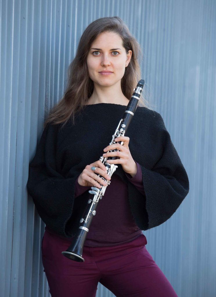 Yasmina Spiegelberg with clarinet