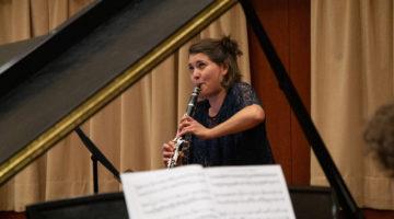 Yasmina playing clarinet