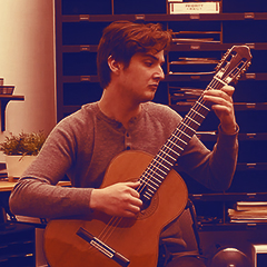 Photo of classical guitarist