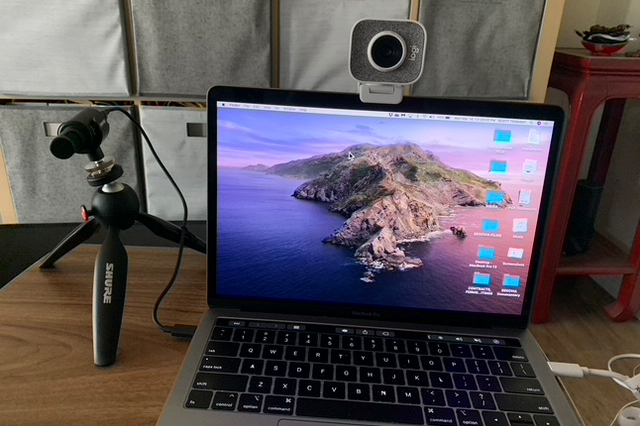 Picture of laptop and USB microphone